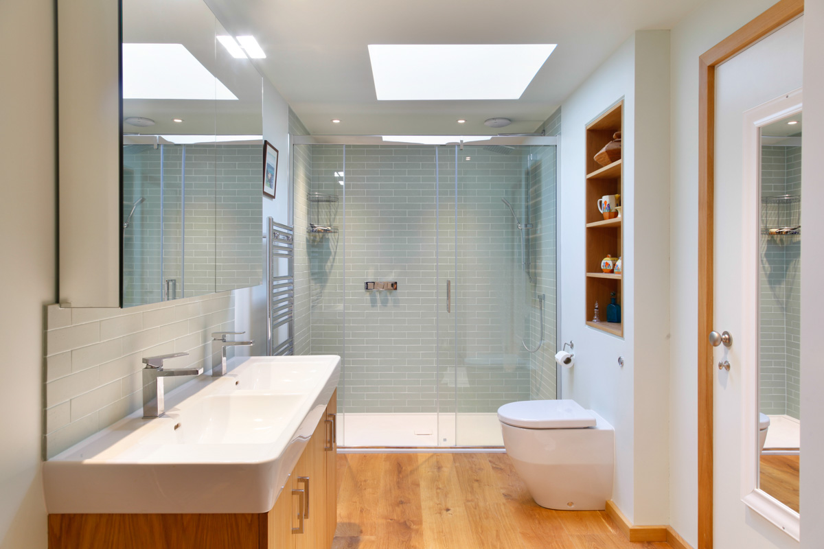 A Cantilevered Glazed Extension by Stephen Marshall Architects Bathroom