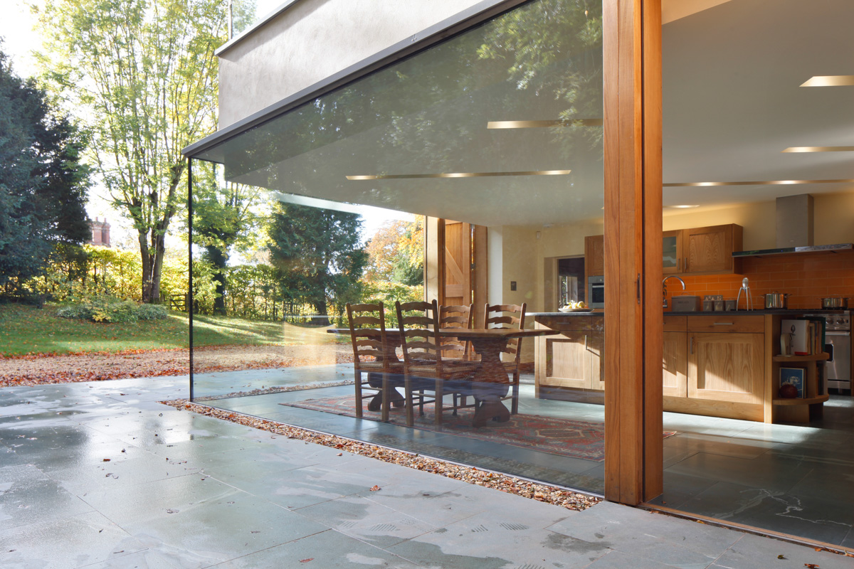 A Cantilevered Glazed Extension by Stephen Marshall Architects - dining