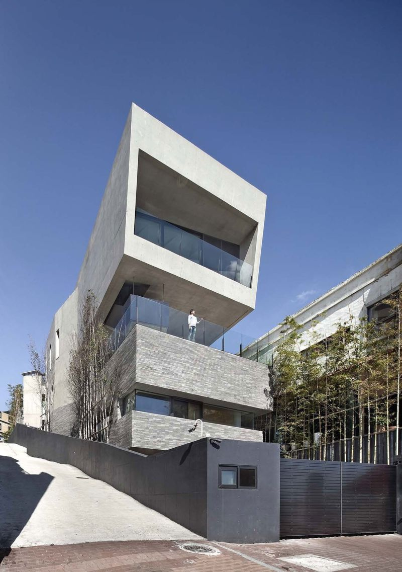 AAWH Residence cantilever
