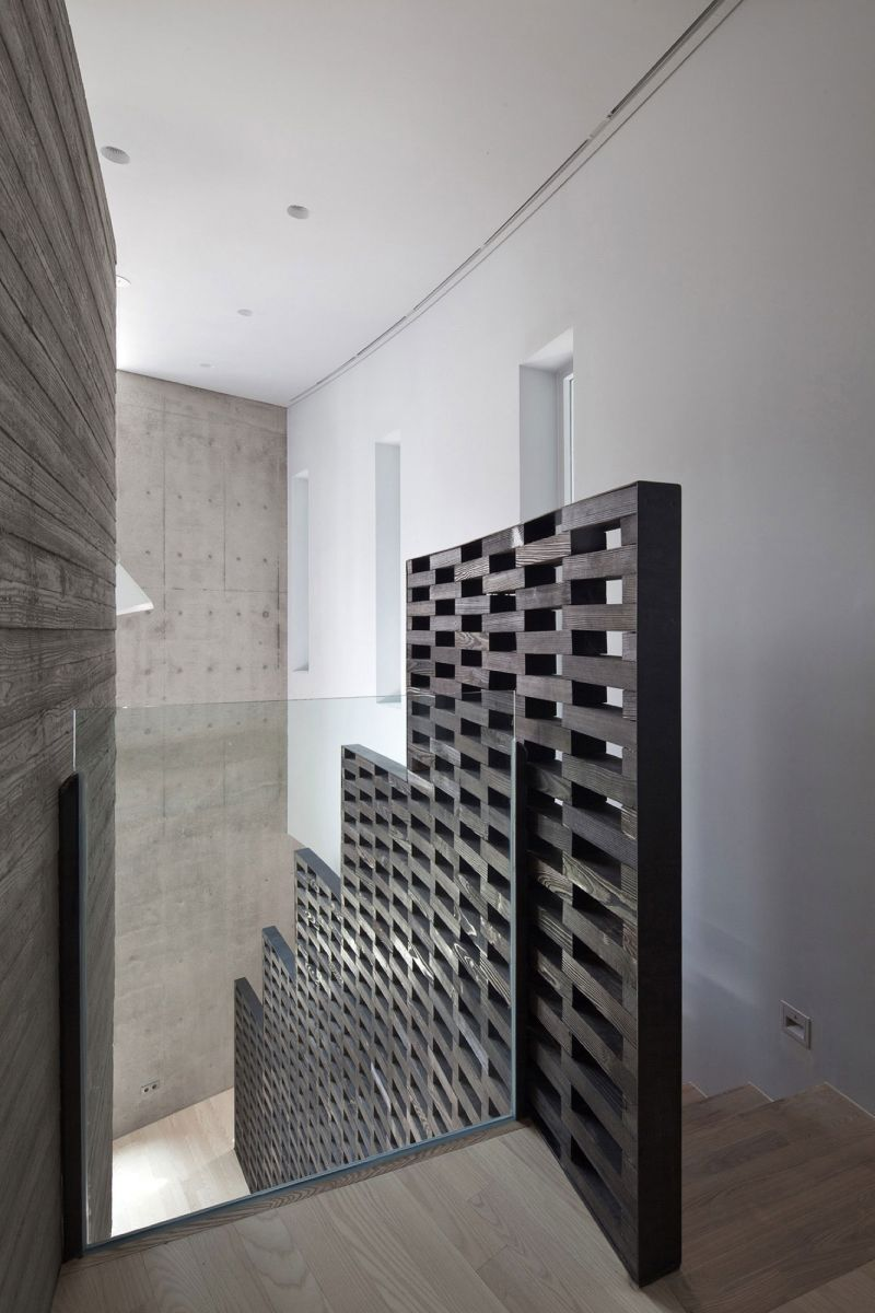 AAWH Residence sculptural staircase wall