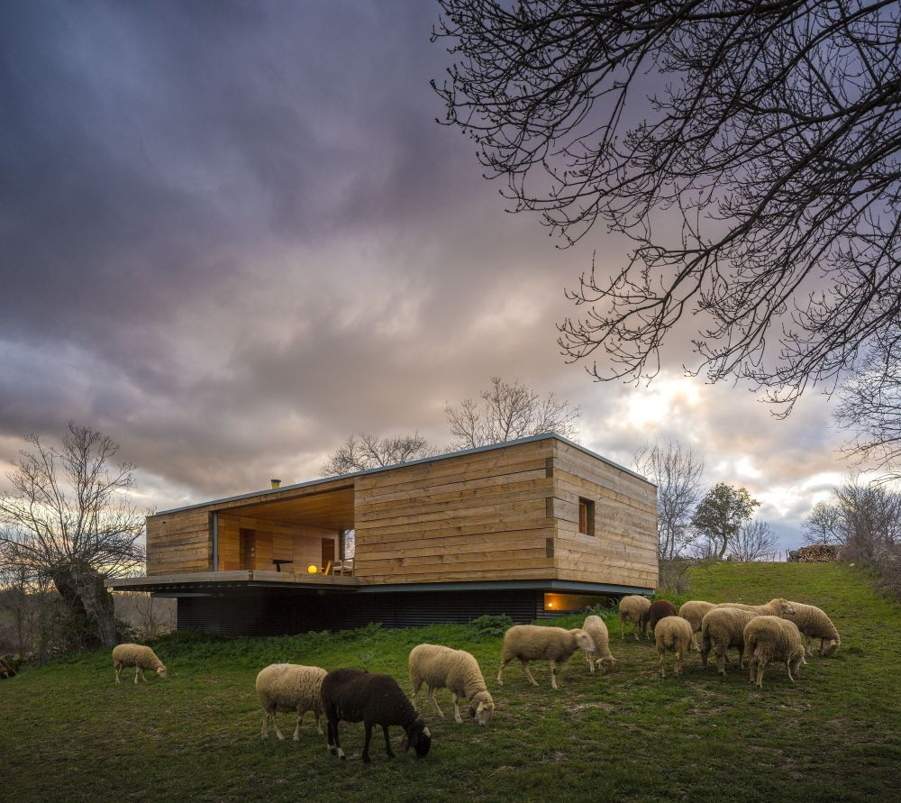 B House from ch+qs arquitectos