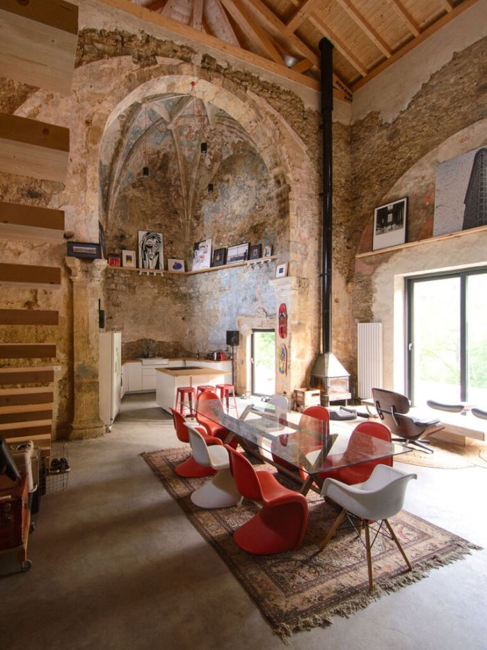 The architects made a conscious effort to preserve as much of the original structure as possible