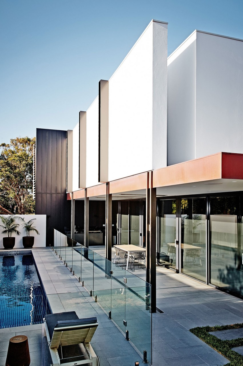 Beaumaris-White-House-covered-outdoor-space