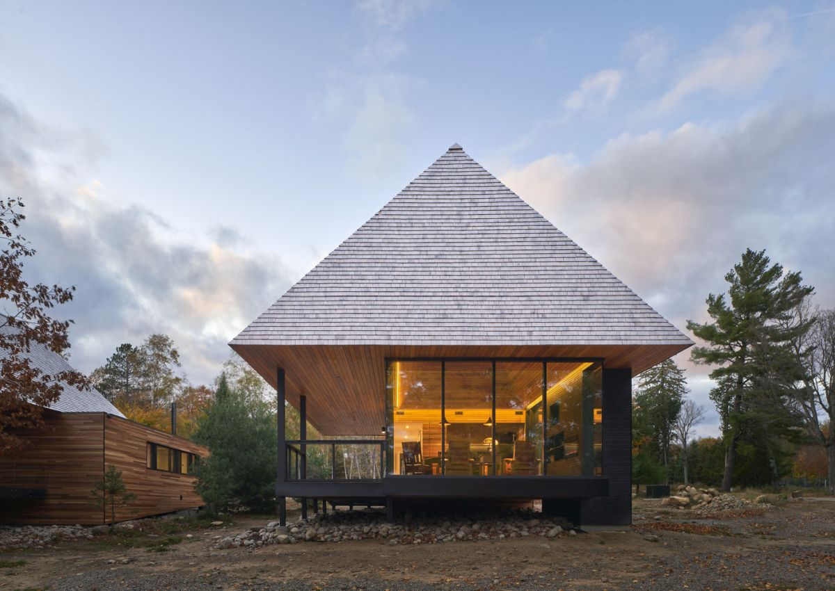The cabins are simple and are focus mainly on being practical yet they maintain a sophisticated allure