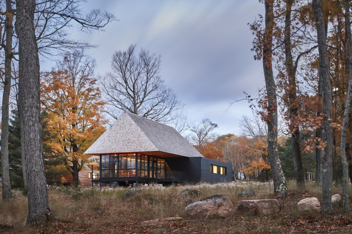 The cabins blend in with their surroundings and ensure minimal disruption to the land