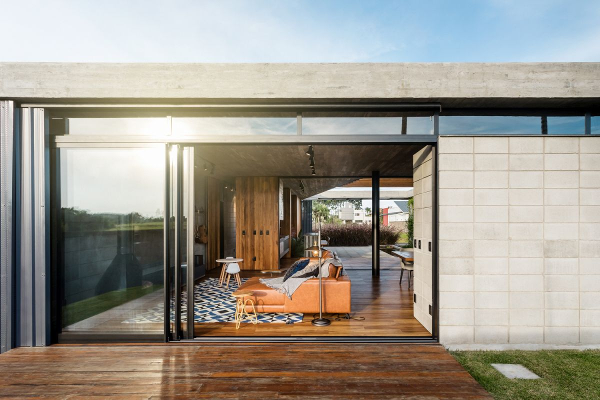Sliding glass doors were incorporated into the space in order to easily connect them to the courtyard