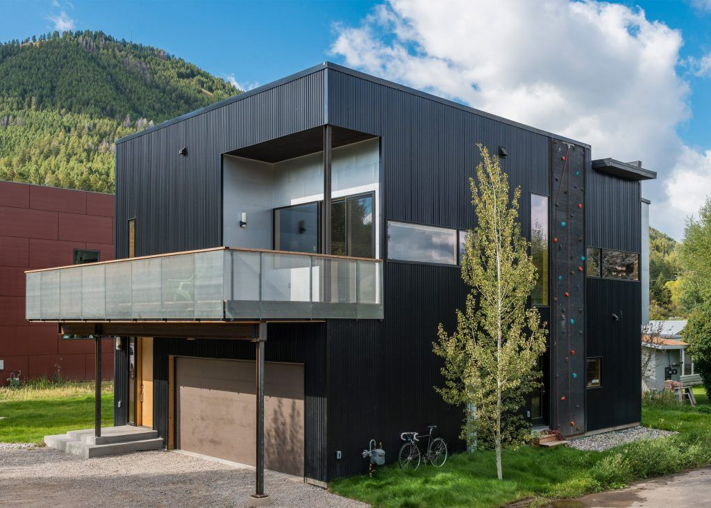 cache-creek-residence-architecture-climbing-wall