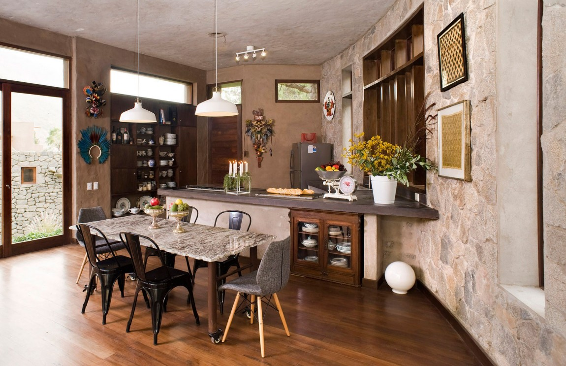 Casa Chontay dining area and kitchen