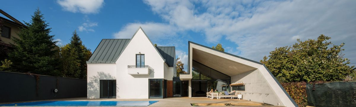 Casa G3 in Otopeni original house and extension
