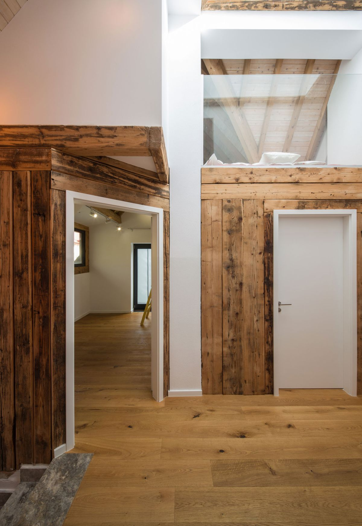 Casa G3 in Otopeni wooden beams preserved