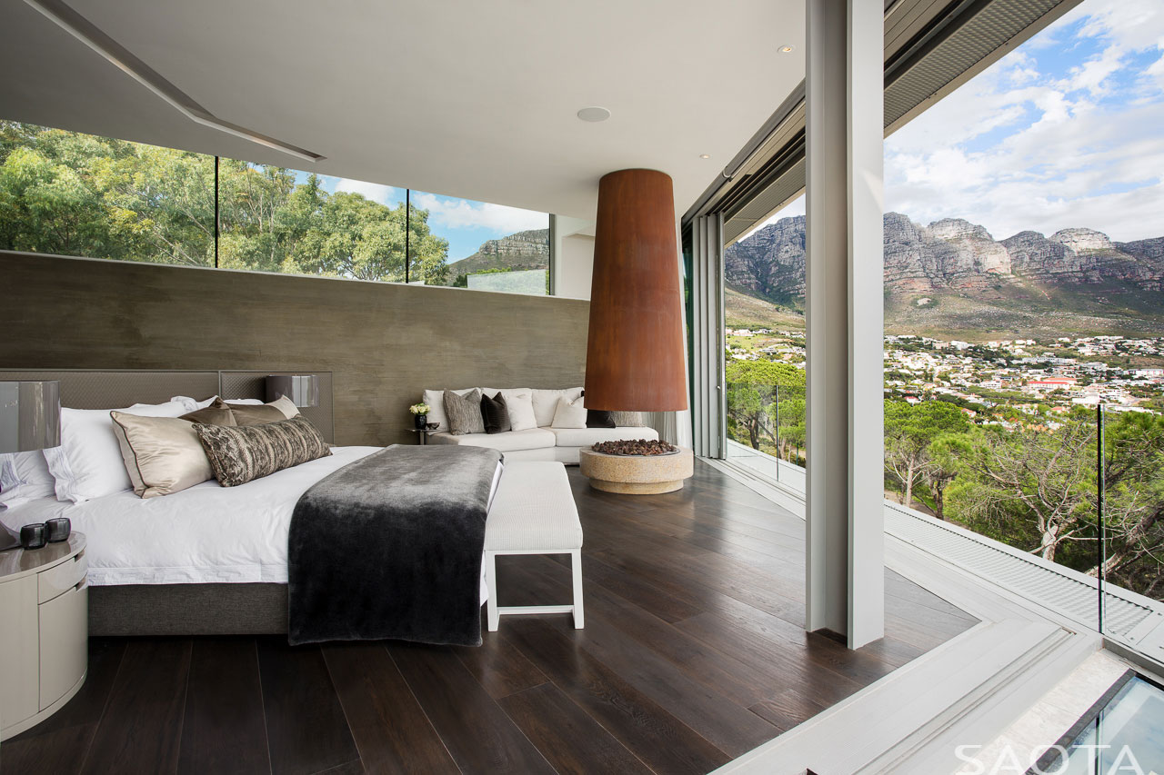 Clifton-family-home-master-bedroom