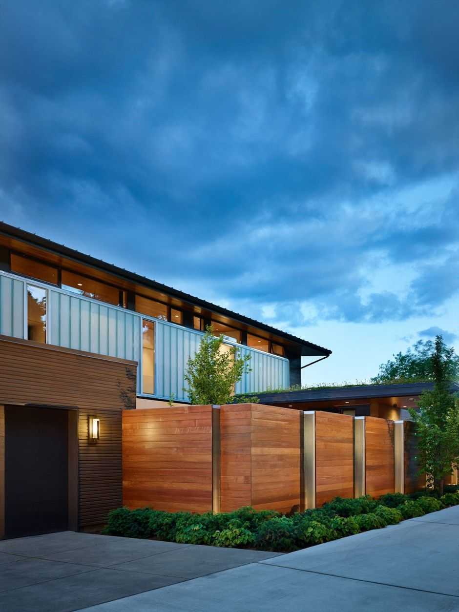 Courtyard House by DeForest Architects Angle