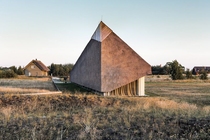 Dune House in Latvia roof seen from the side