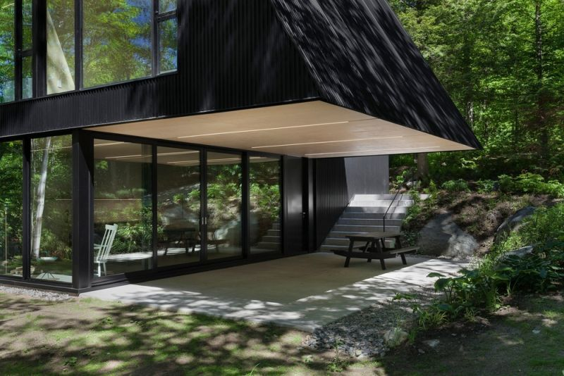 FAHOUSE in Quebec covered terrace