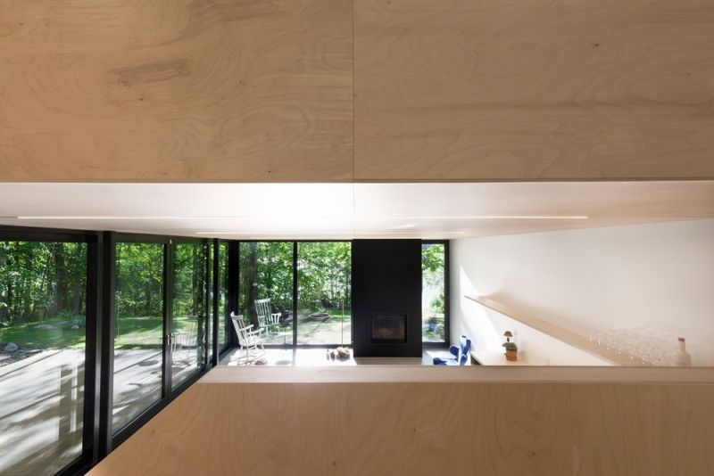 FAHOUSE in Quebec ground floor glass walls
