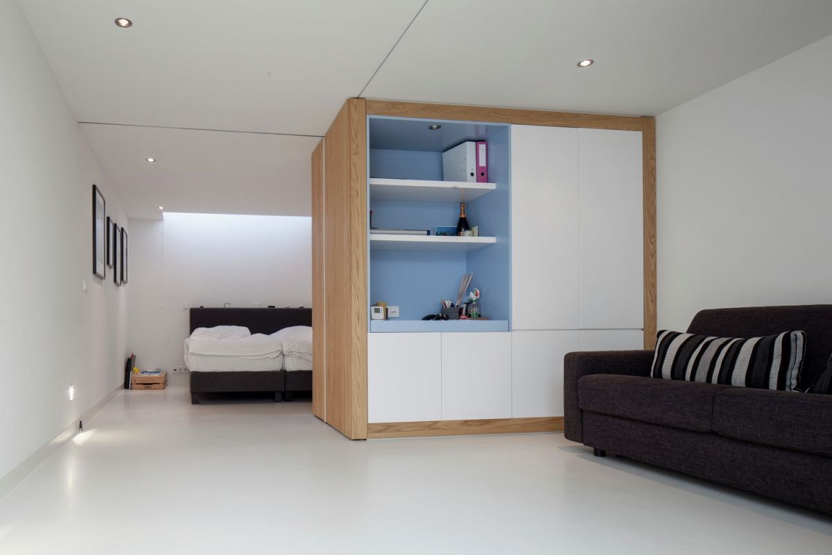 Floating Amsterdam home bedroom design and layout
