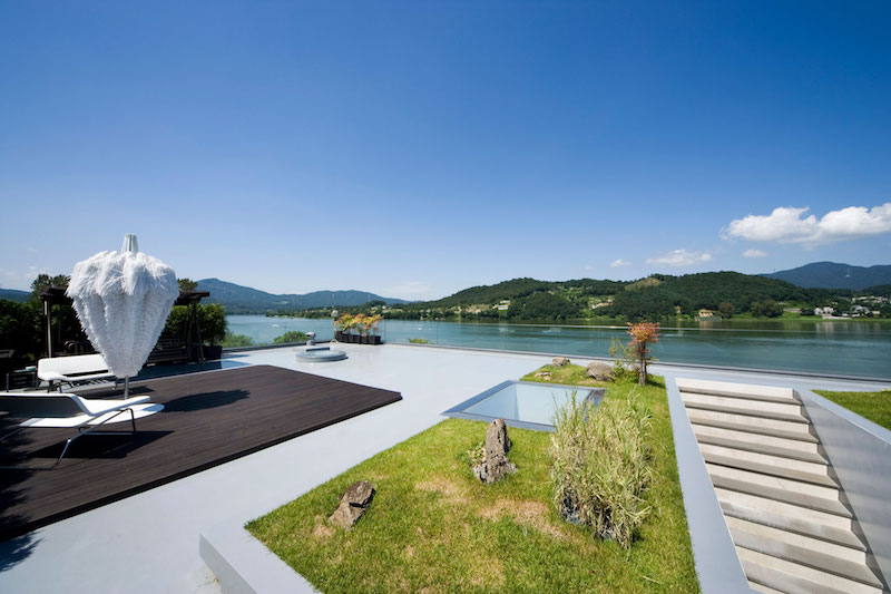 Floating House rooftop view