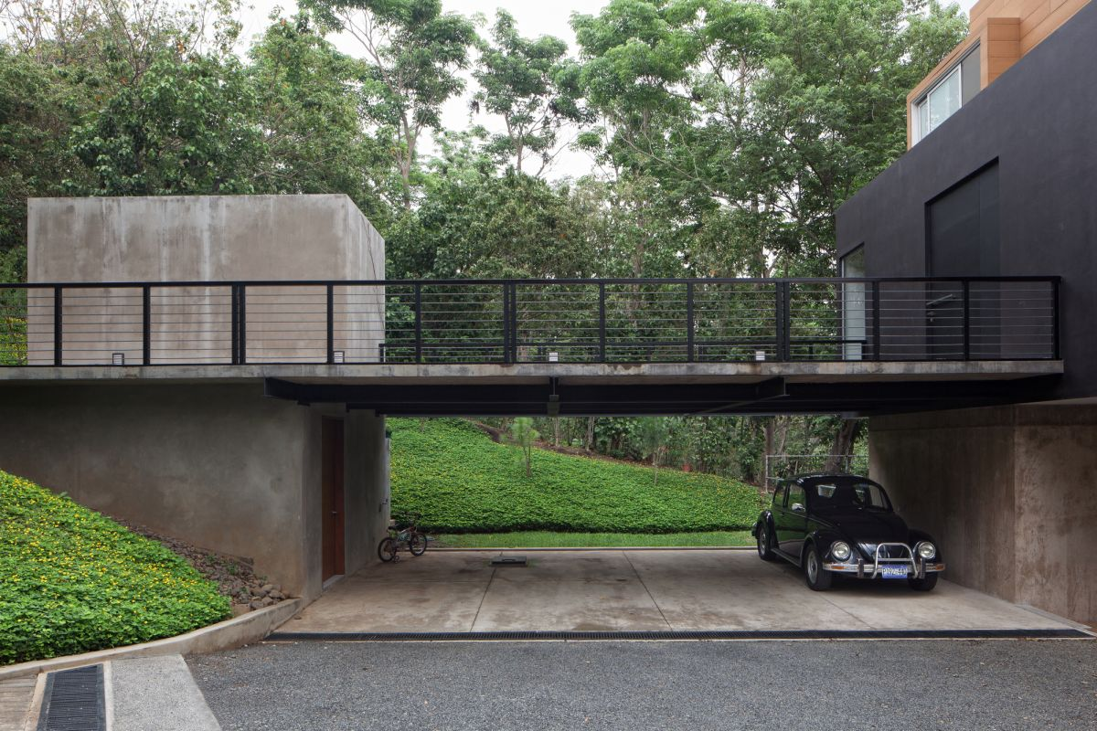 Home blends comfort with originality - garage