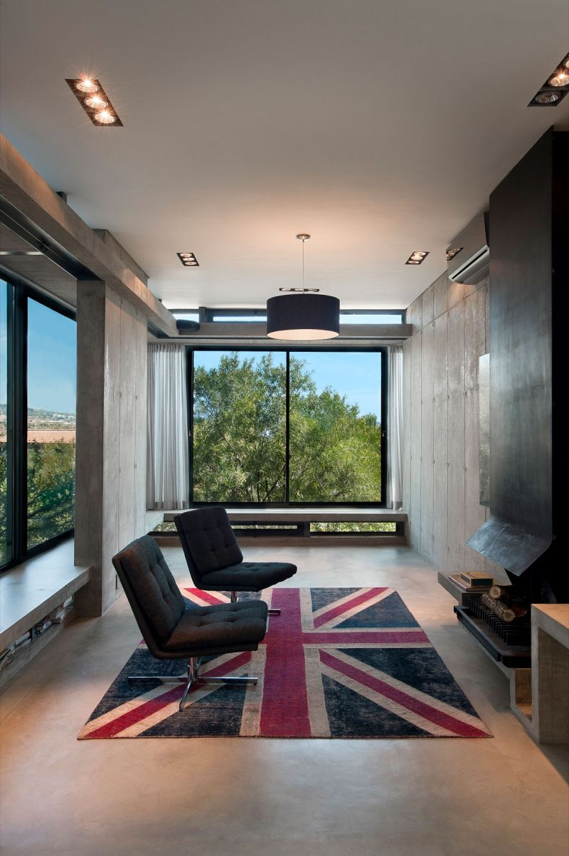 House Gauche lounge and fireplace