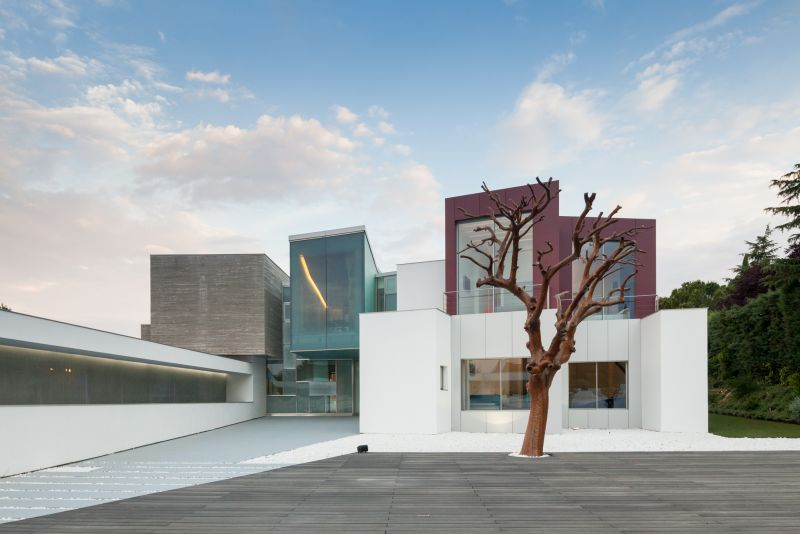 House H in Madrid front facades