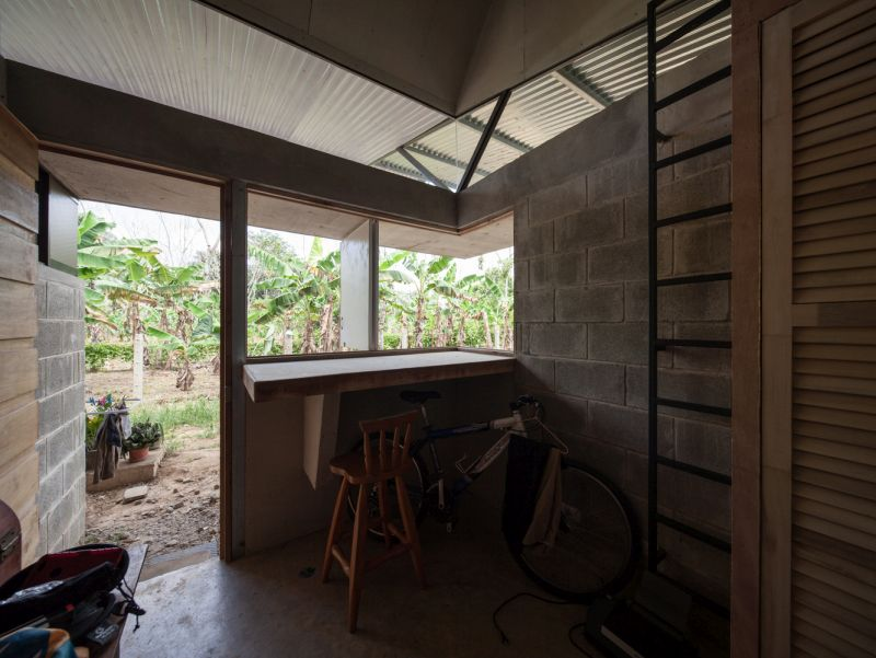 House V bar and view