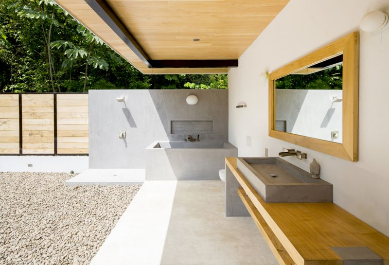 House between the ocean and the jungle bathroom