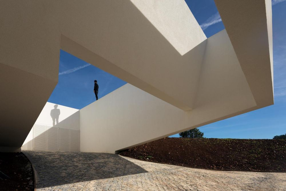 The overall design and architecture are minimalistic, abstract and sculptural in a sense