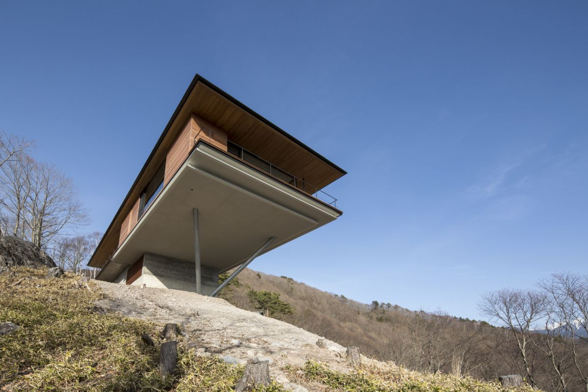 This would have to be one of the most impressive and memorable cantilevered houses we've ever come across