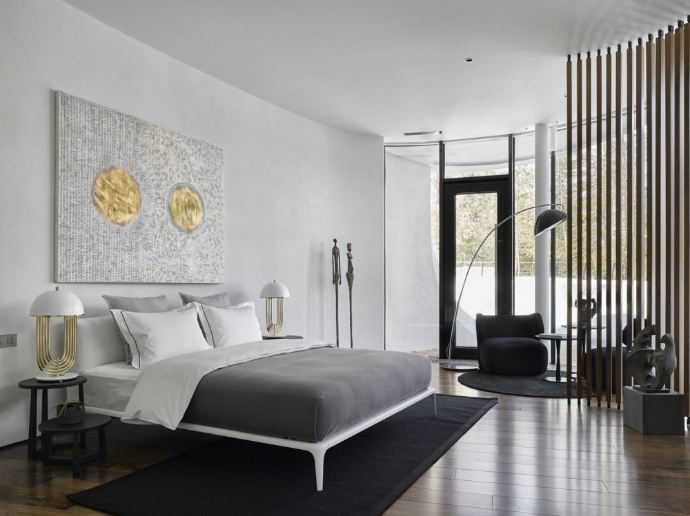 The color scheme employed throughout the house is based on neutrals and earthy nuances