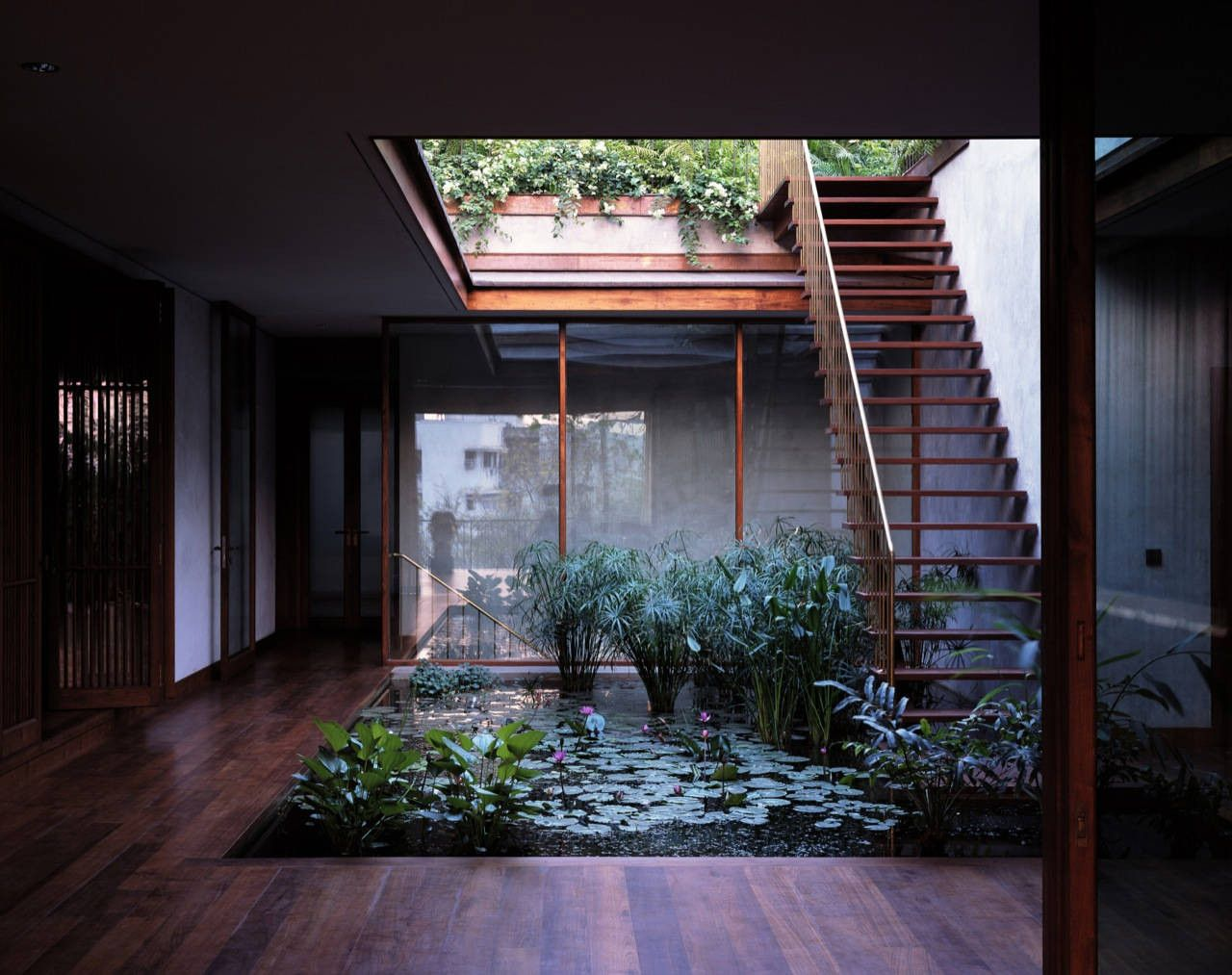 House on Pali Hill interior courtyard