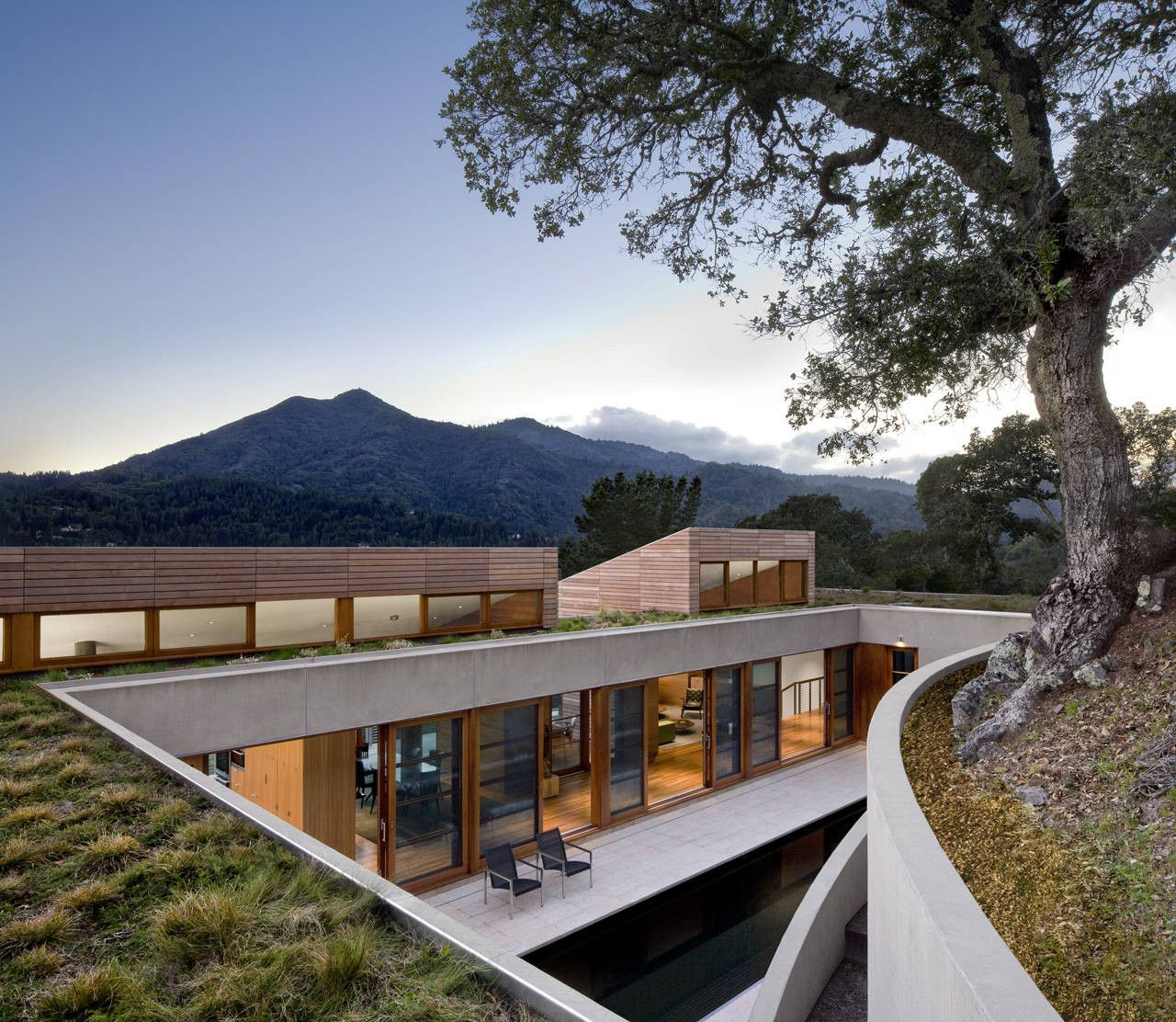 House with spectacular Roof