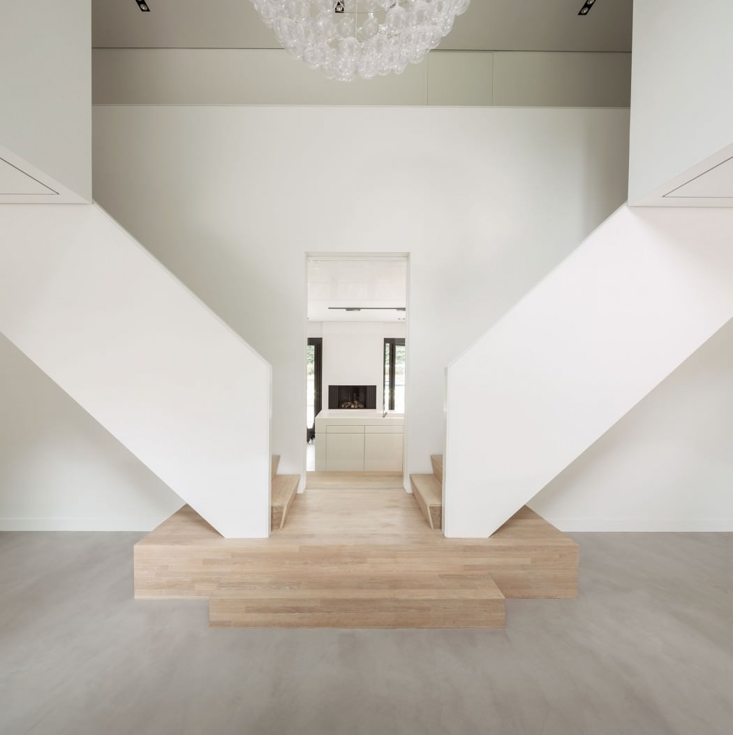 Huizen-modern-country-home-double-staircase