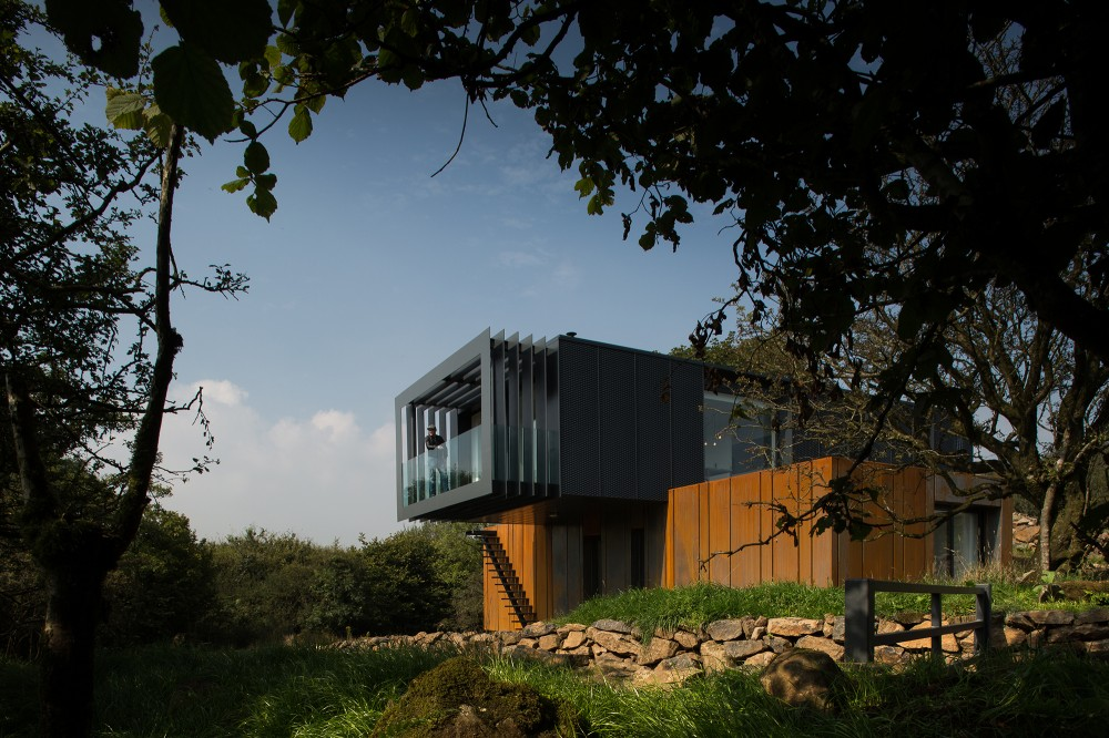 Irish-container-home-overview1