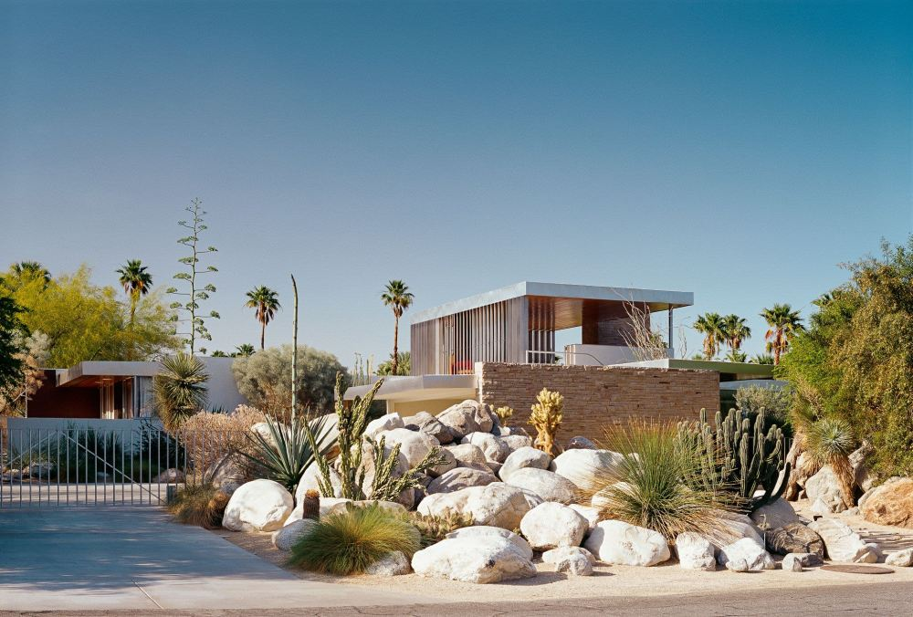 Iconic Palm Springs Kaufmann House Shines as an Important Architectural Masterpiece