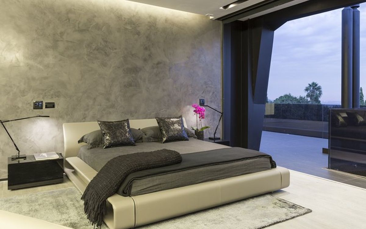 Kloof Road House project bedroom concrete wall