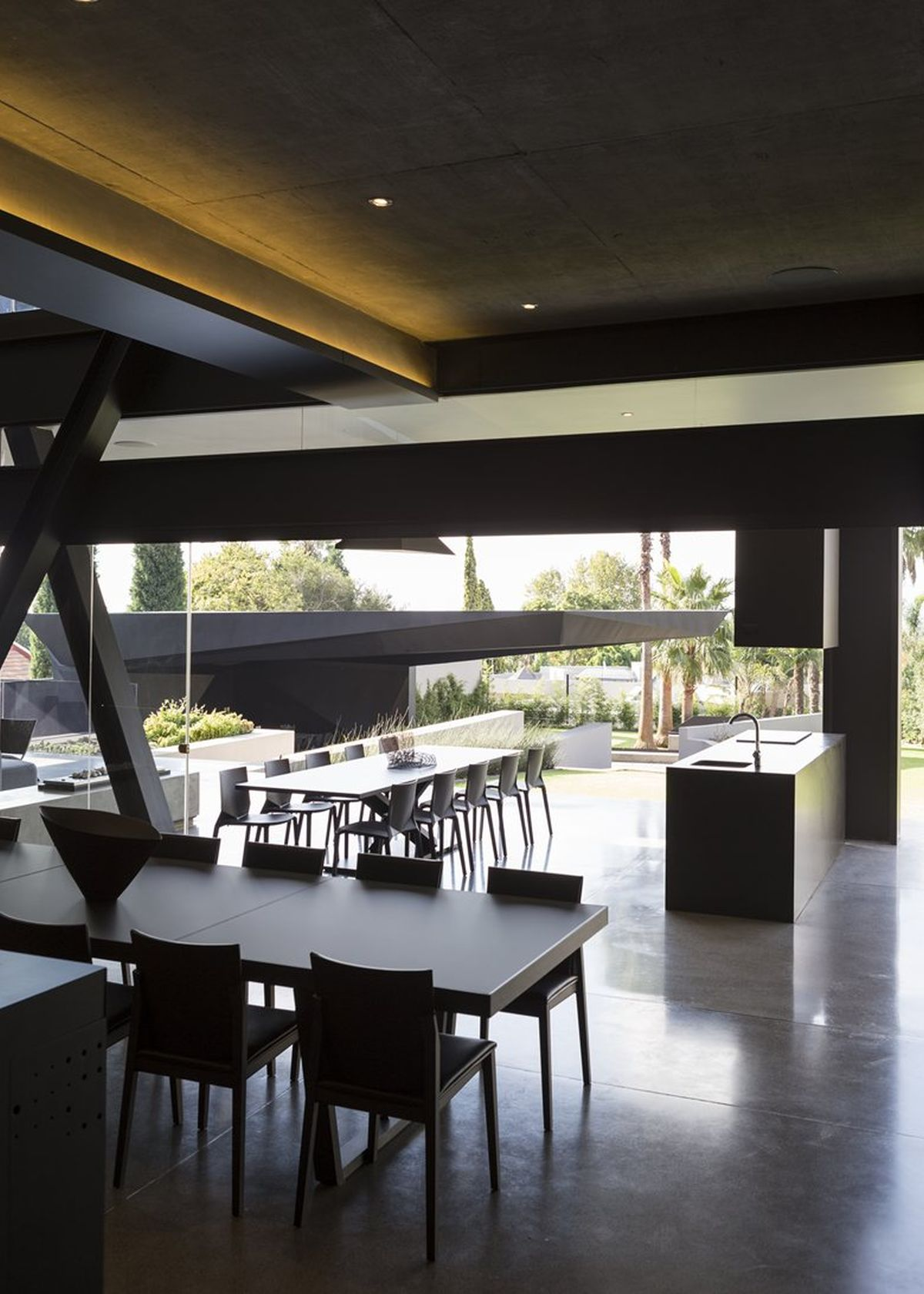 Kloof Road House project dining area view