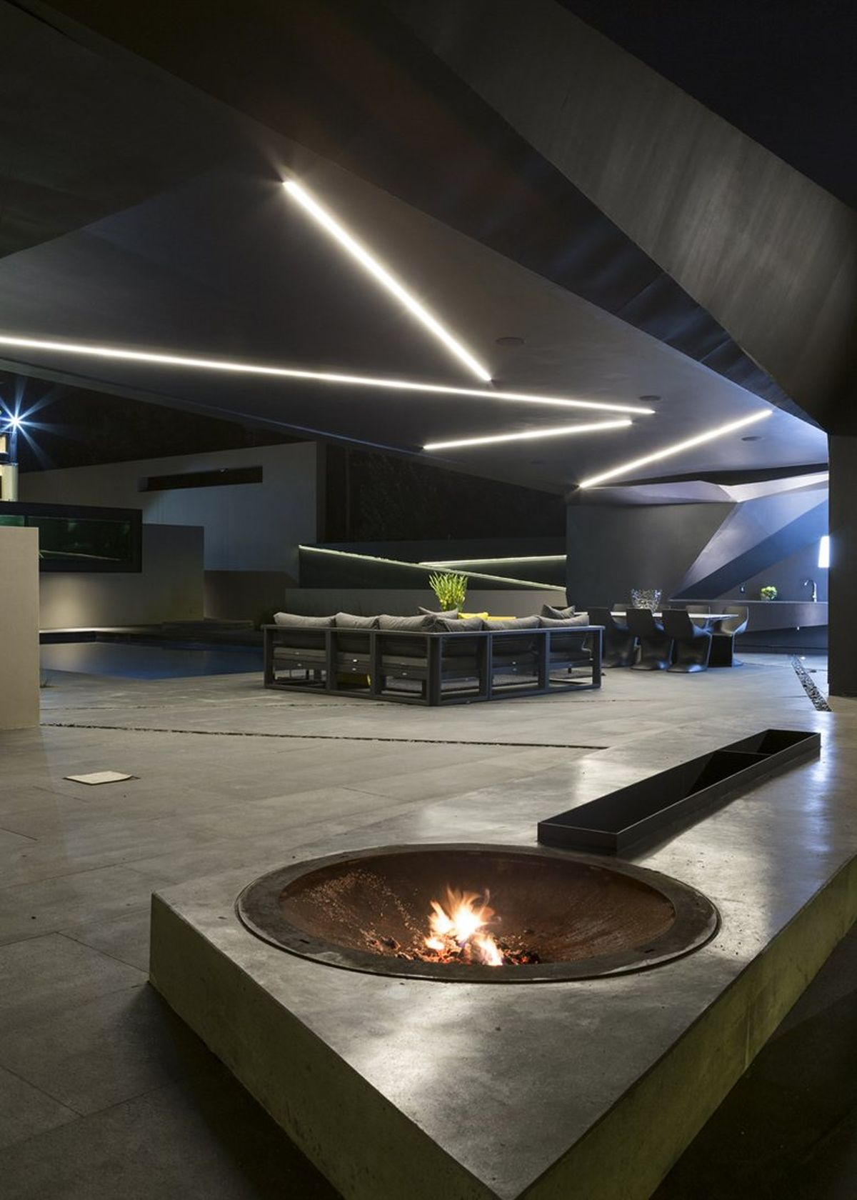 Kloof Road House project firepit and outdoor living space