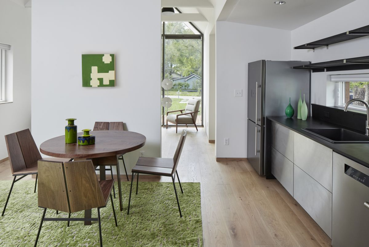 The interior is welcoming and uses natural and organic colors combined with neutrals