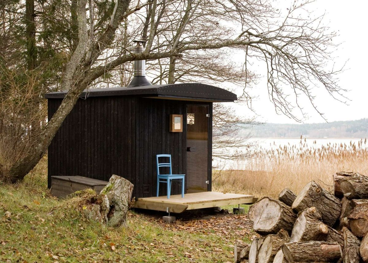 Little sauna design into the middle of forest view