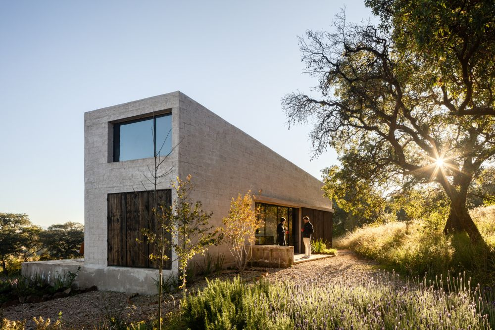 The house was built using local materials and resources and this helps in easily blend into the surroundings