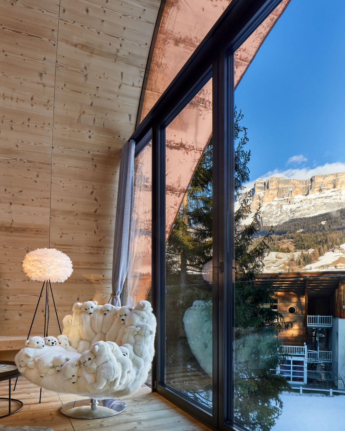The chalet is insulated with wooden fibers and maintains a very pleasant temperature throughout the winter