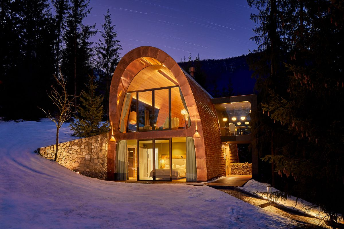 Mi Chalet is a very quaint retreat which enjoys a very pleasant relationship with its immediate surroundings