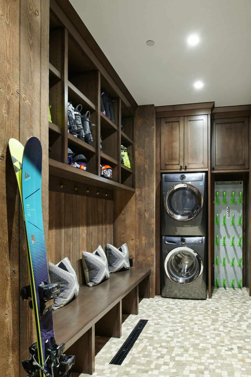 Even the entrance area is very spacious, with plenty of storage for ski equipment and more