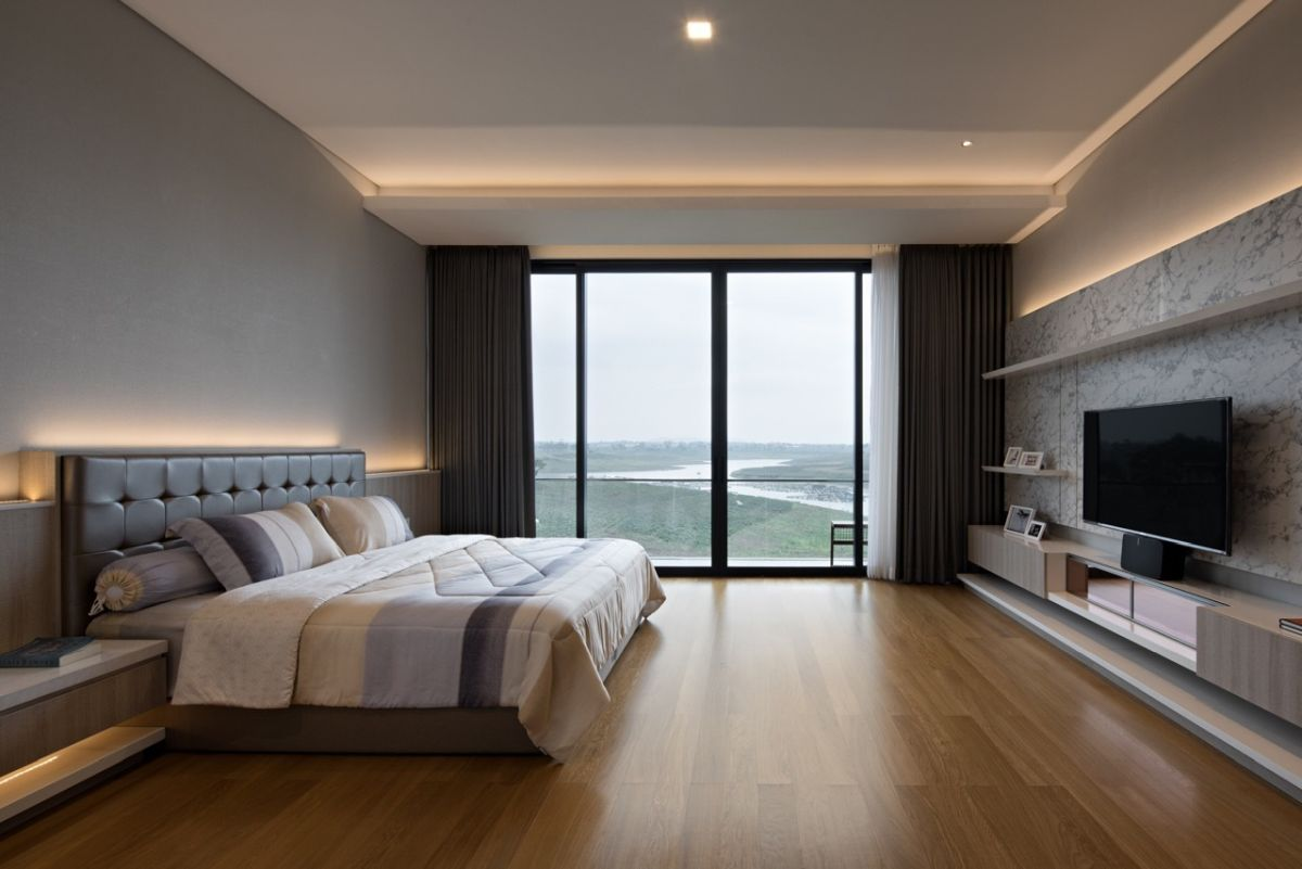In areas such as the bedrooms and bathrooms, the lighting is soft and very pleasant