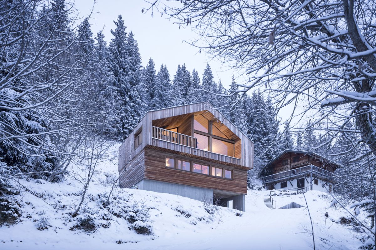 The house is situated in a very beautiful Alpine valley with wonderful views and gorgeous landscape