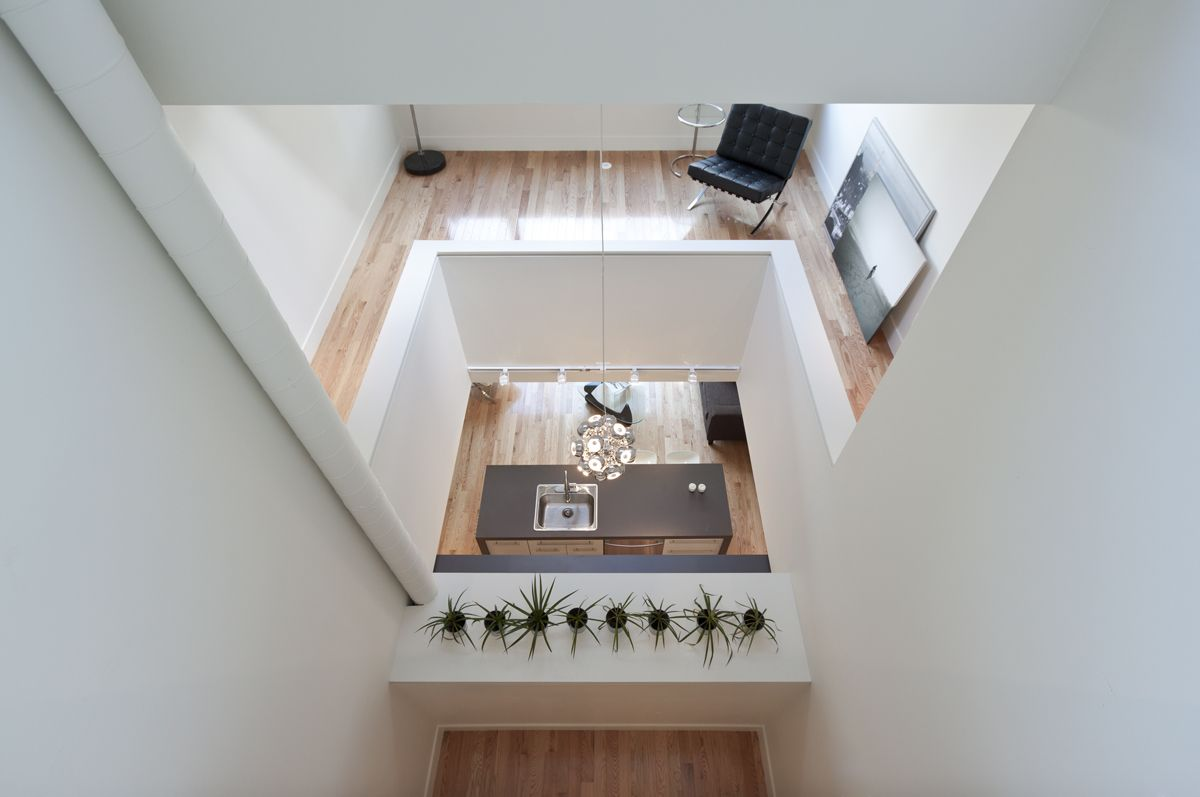 Narrow - Shaft House from Atelier rzlbd Airy design