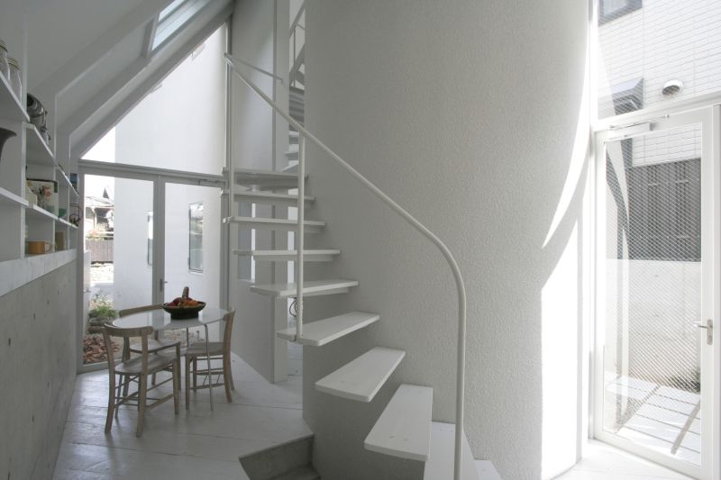 O House extension spiraling stairs