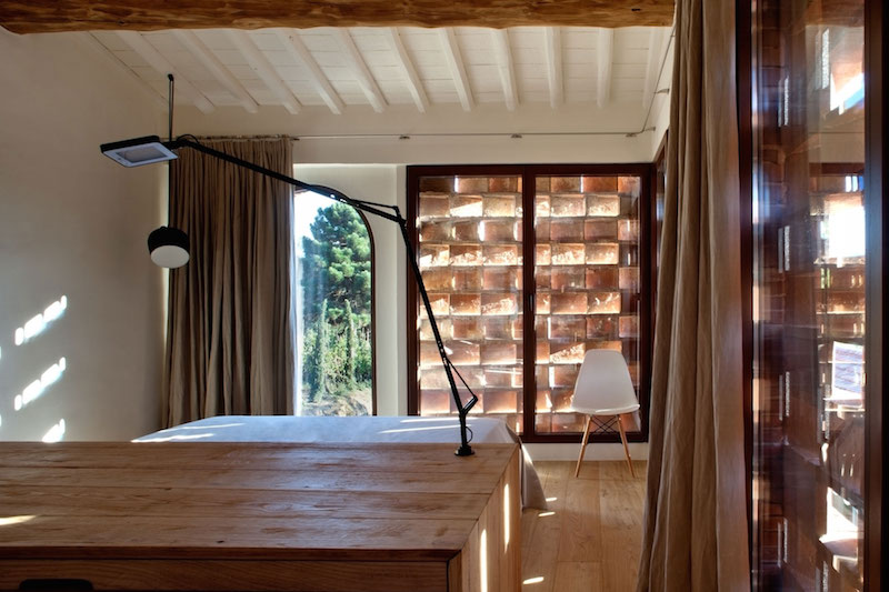 Renovated country house in Lucca bedroom decor