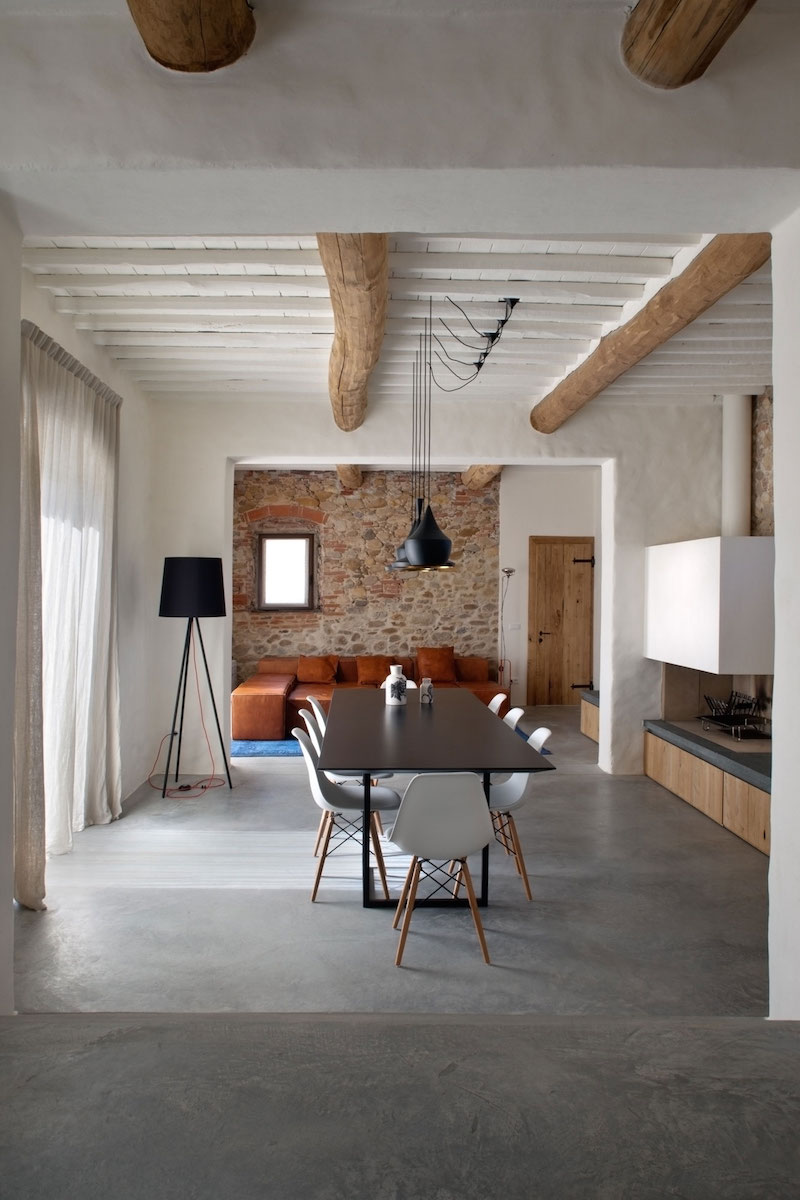 Renovated country house in Lucca dining area decor