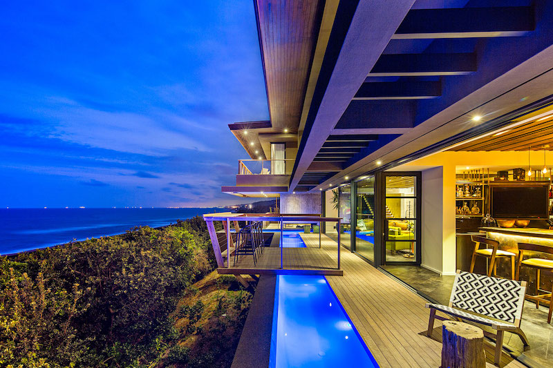 Reserve House cantilevered deck over pool